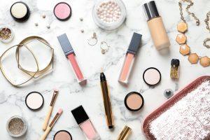 Make-up hacks. Makeup. Morning make-up.